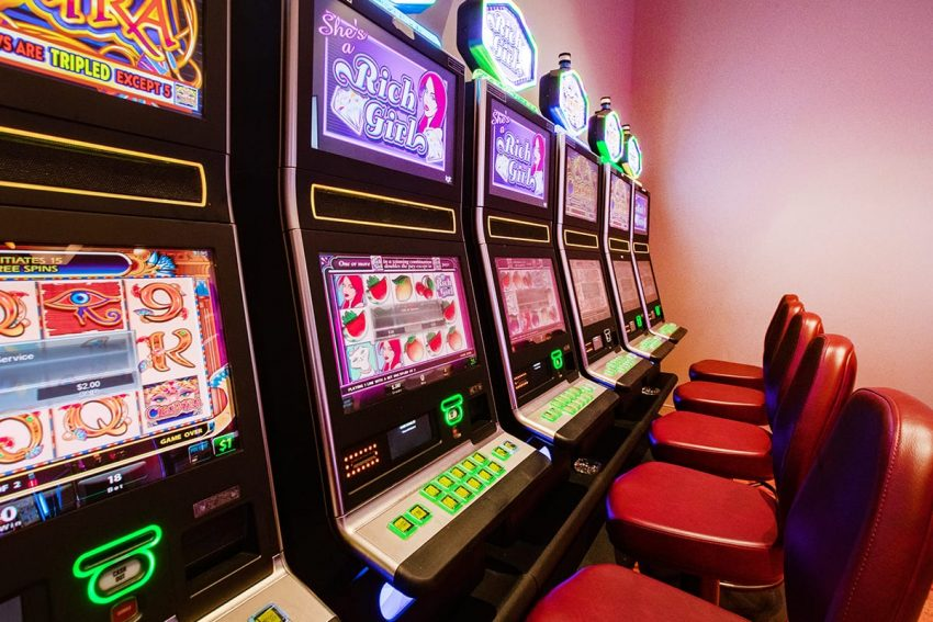 can you play slot machine online